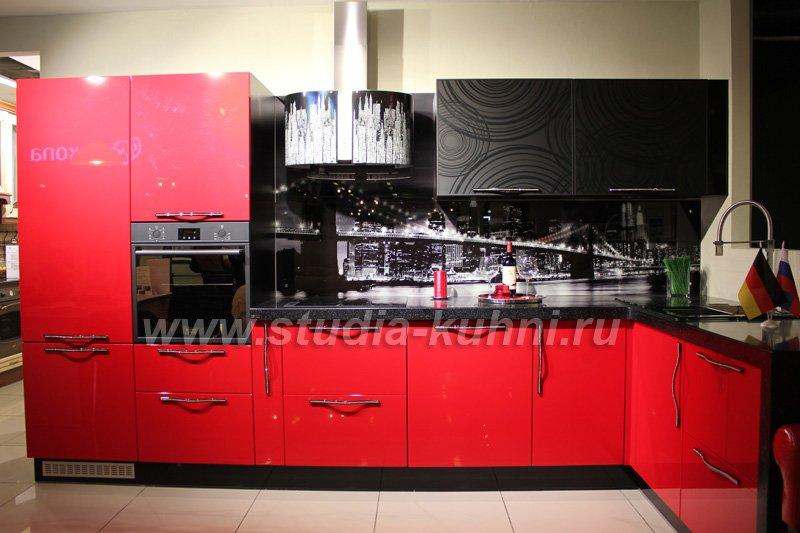 Дизайн кухни черный красный